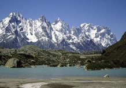 what-is-shilajit-himalyan-mountains