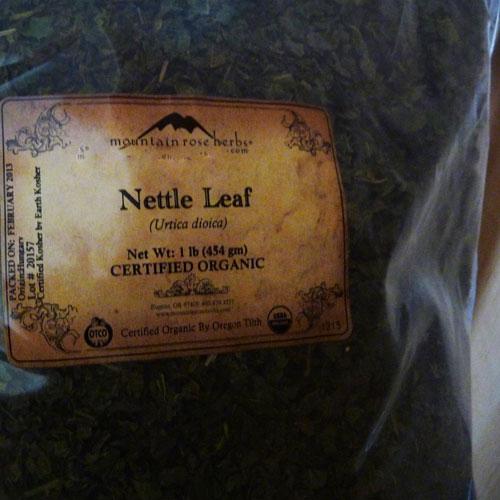 how-to-make-herbal-tea-selecting-herbs