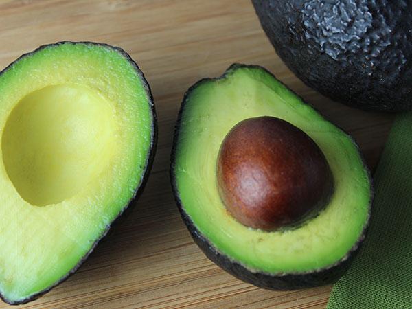 healthy-fats-list-avocado