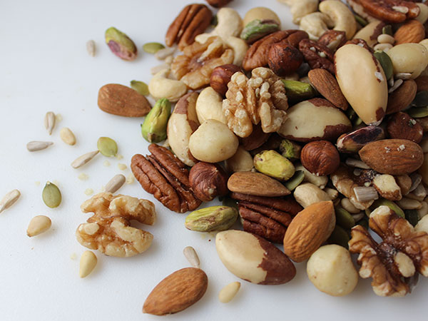 good-fats-nuts-seeds