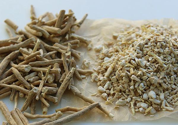 ashwagandha-root-and-pieces