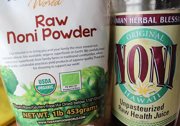 noni-powder-and-juice-raw-organic