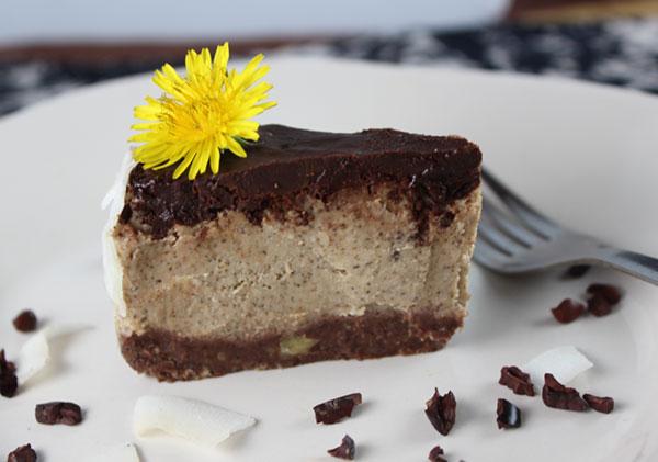 raw-chocolate-coconut-cream-pie-piece