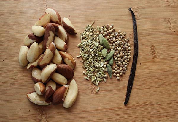 shake-recipe-nut-milk-ingredients