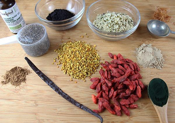smoothie-recipe-superfood-ingredients