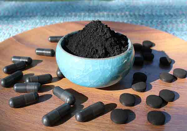 activated-charcoal-powder-and-supplements