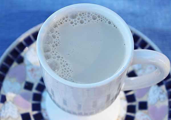 ashwagandha-milk-recipe-herbal-almond-nut-milk