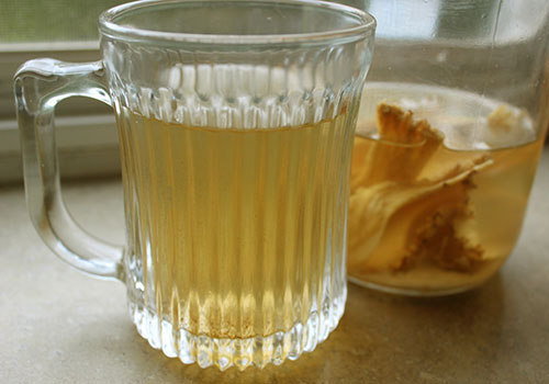 astragalus-root-tea