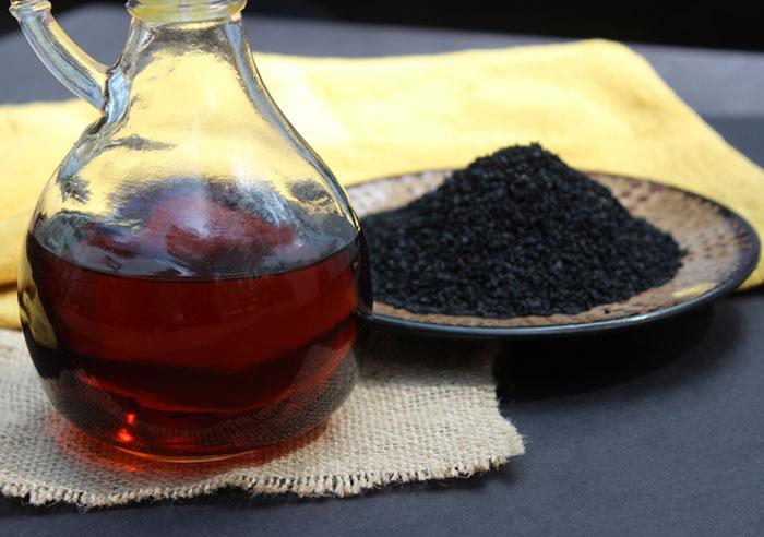 black-seed-oil-black-cumin-seeds