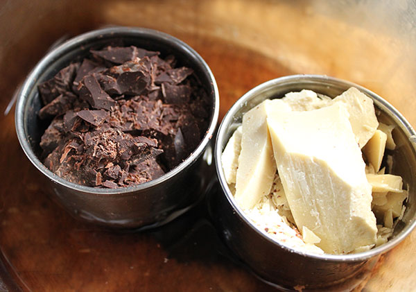 cacao-paste-and-butter-melting