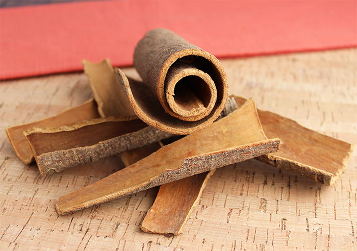 chinese-cinnamon-and-twig