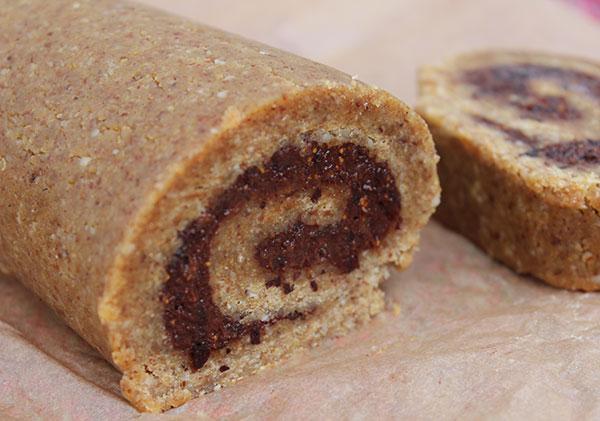 cinnamon-roll-cut-log