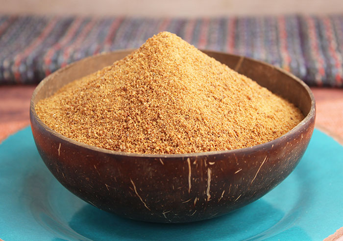 coconut-palm-sugar-in-coconut-bowl