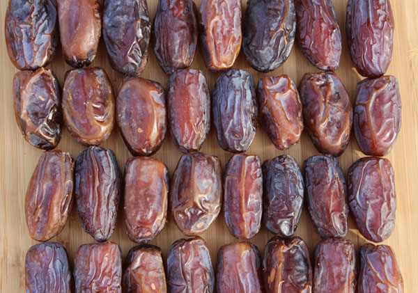 date-fruit-medjool-dates