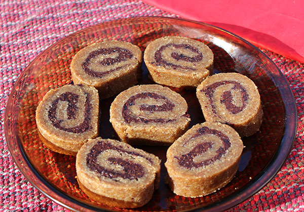 flax-cinnamon-rolls
