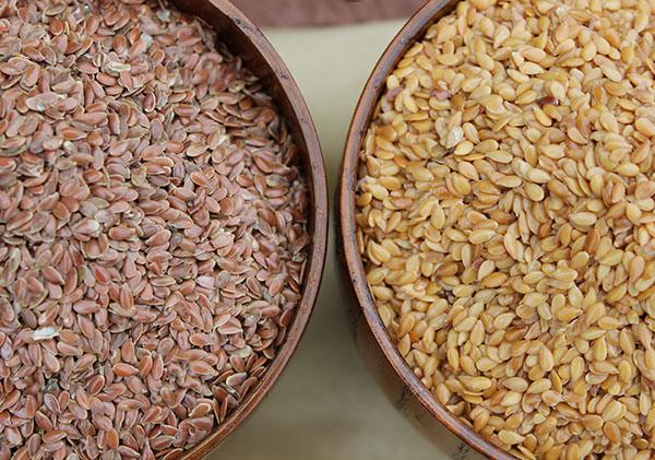 flaxseeds-brown-and-golden