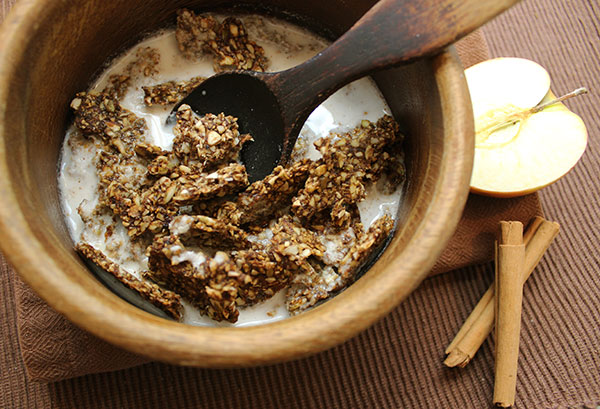 granola-recipe-apple-cinnamon