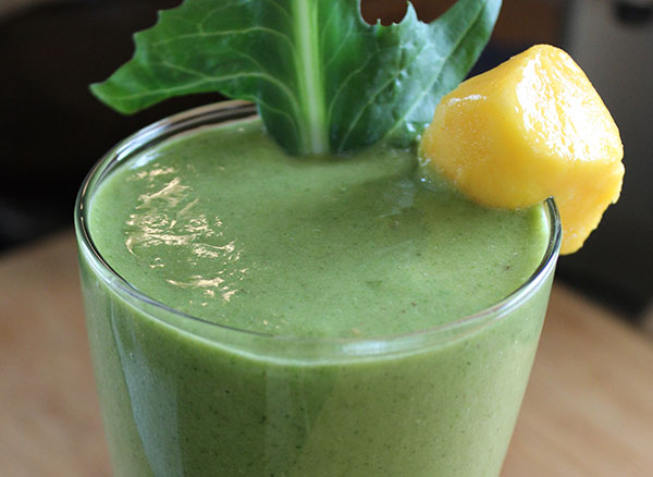 green-smoothie-recipes-tropical-dandelion