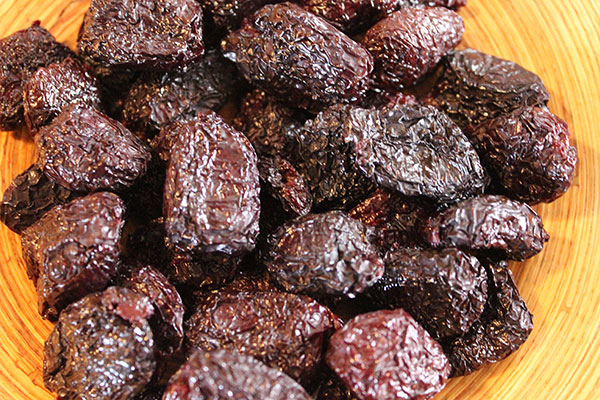 health-benefits-of-olives-black-olives