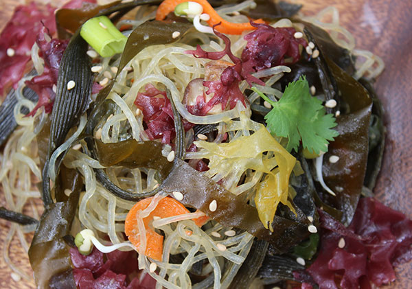 homemade-seaweed-salad-recipe-close-up