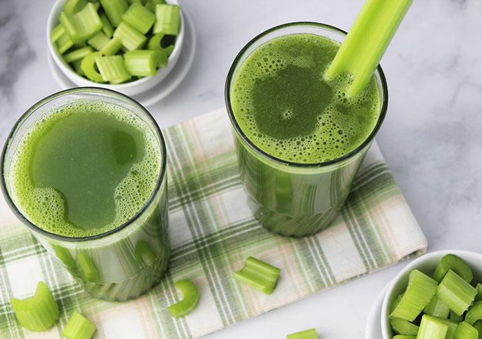 juicing-celery-16oz-glasses
