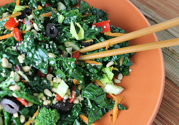 how to prepare raw kale salad