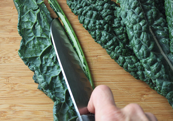 kale-salad-slicing-stems