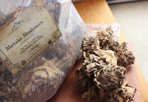 maitake-mushrooms-mountain-rose