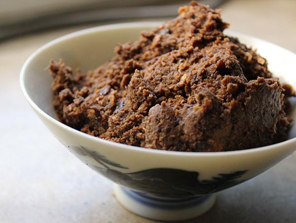 miso-paste-in-bowl