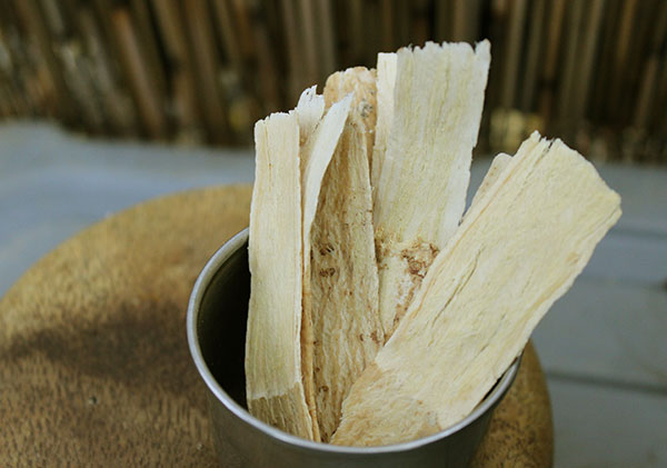 more-top-superfoods-astragalus-slices