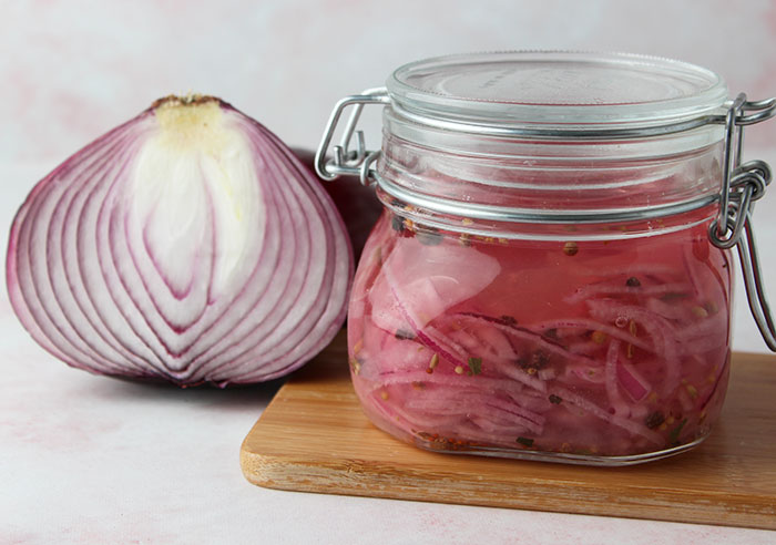 pickled-red-onions-fermented