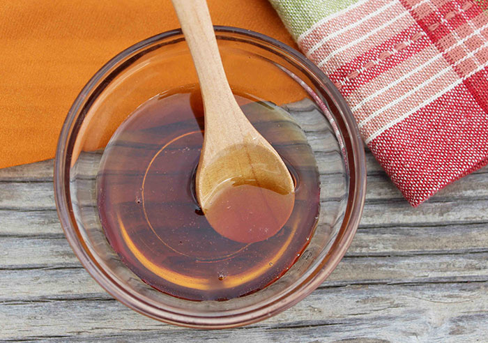 pure-maple-syrup-on-spoon