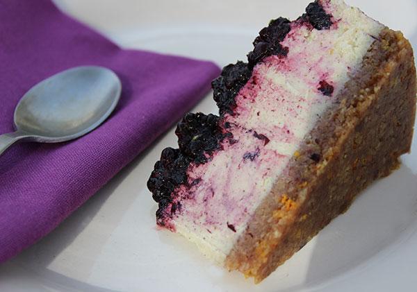 raw-vegan-cheesecake-acai-blackberry