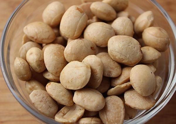 sacha-inchi-nuts
