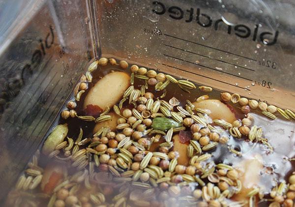 shake-recipe-making-spiced-nut-milk