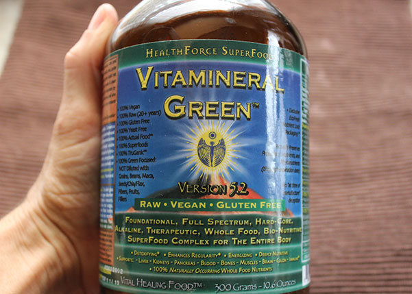 vitamineral-green-powder-jar