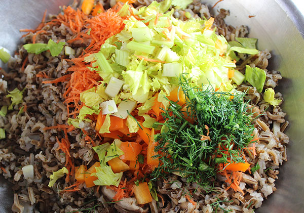 wild-rice-recipe-mixing-ingredients
