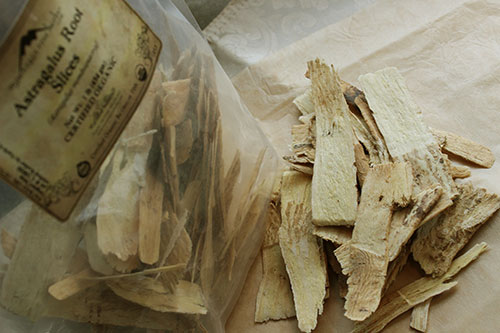 astragalus-root-slices-mountain-rose-herbs