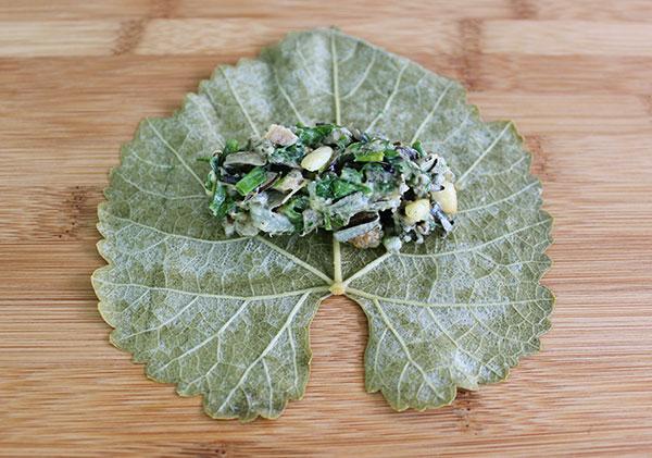 dolma-filling-on-leaf