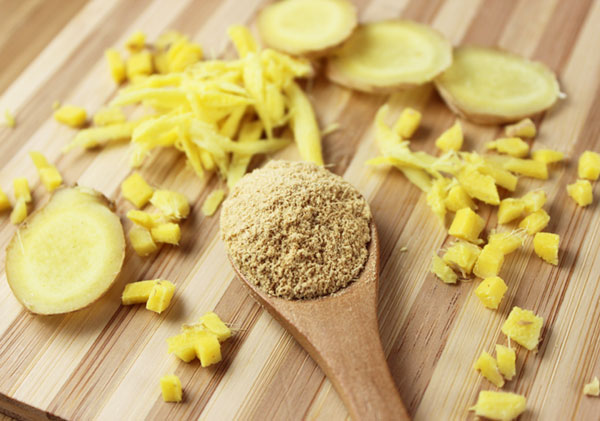 ginger-powder-and-ginger-root