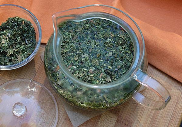 nutritive-herbal-tea-pot-infusion