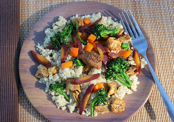 quinoa-benefits-quinoa-and-veggies