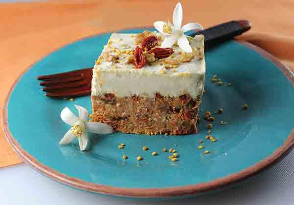 raw-superfood-carrot-cake-recipe