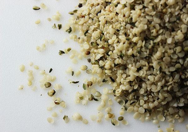 seeds-and-nuts-hemp-seeds