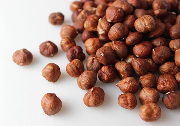 types-of-nuts-hazelnuts